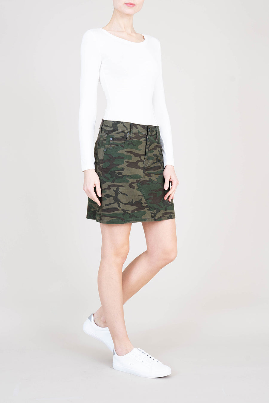 Darcy Camo Skirt - level99jeans