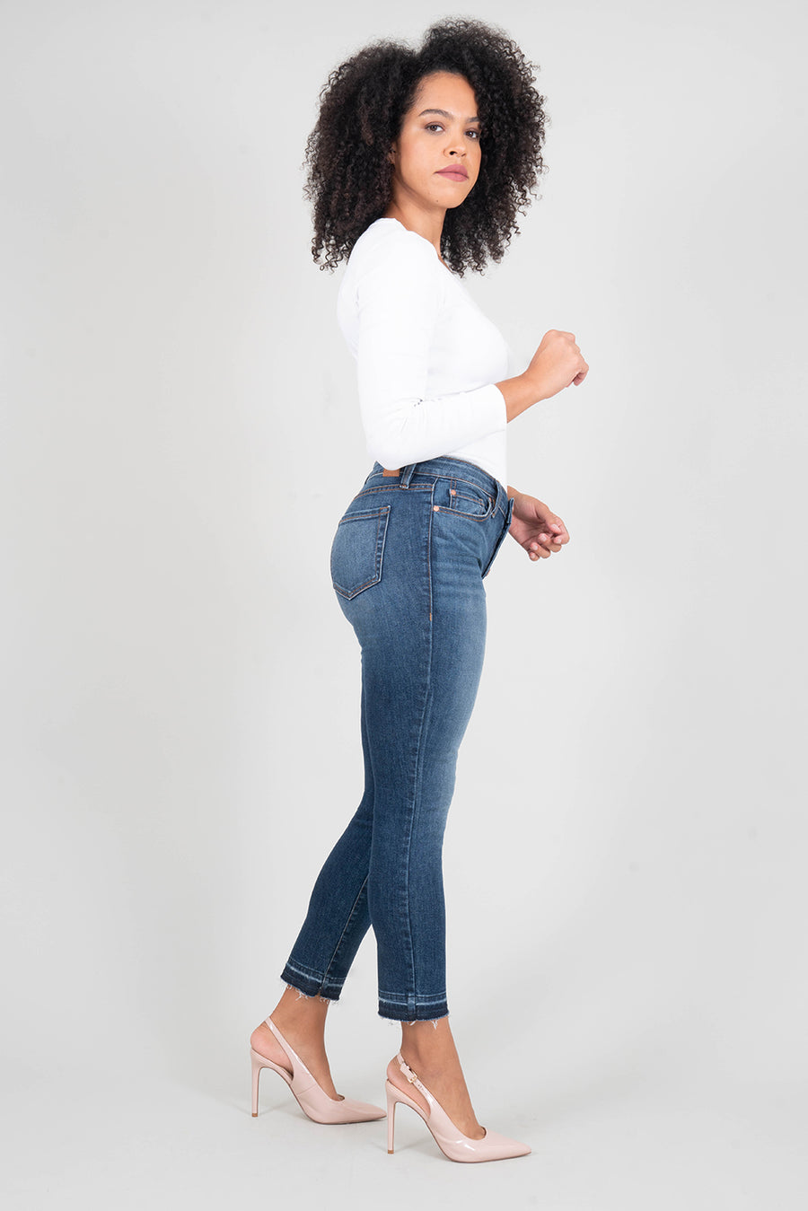 Holly Exposed Button Vintage Straight - level99jeans