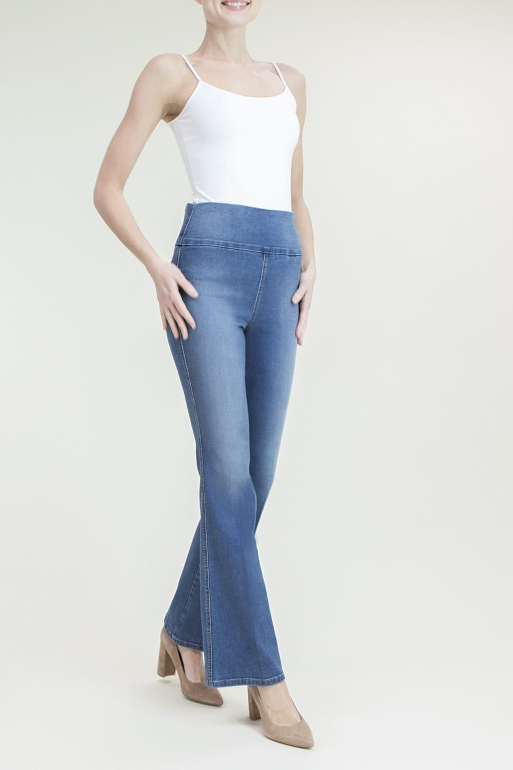 Denim in Wide Leg Pull On