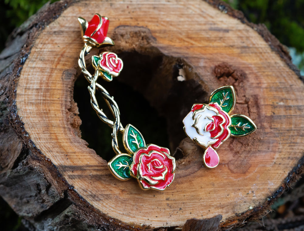 DISNEY'S ALICE IN WONDERLAND Painting the Roses Ear Climber and Stud