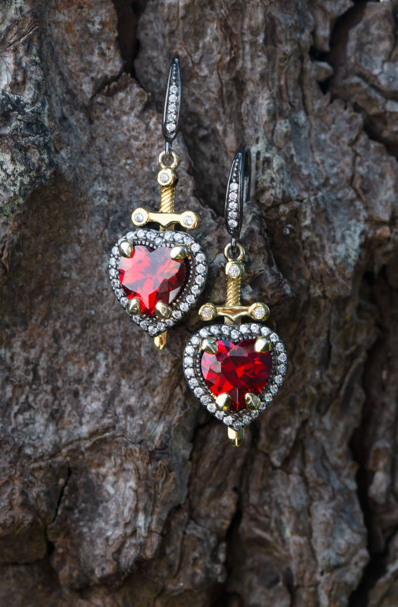 DISNEY'S SNOW WHITE & THE SEVEN DWARFS Dagger Heart Earrings