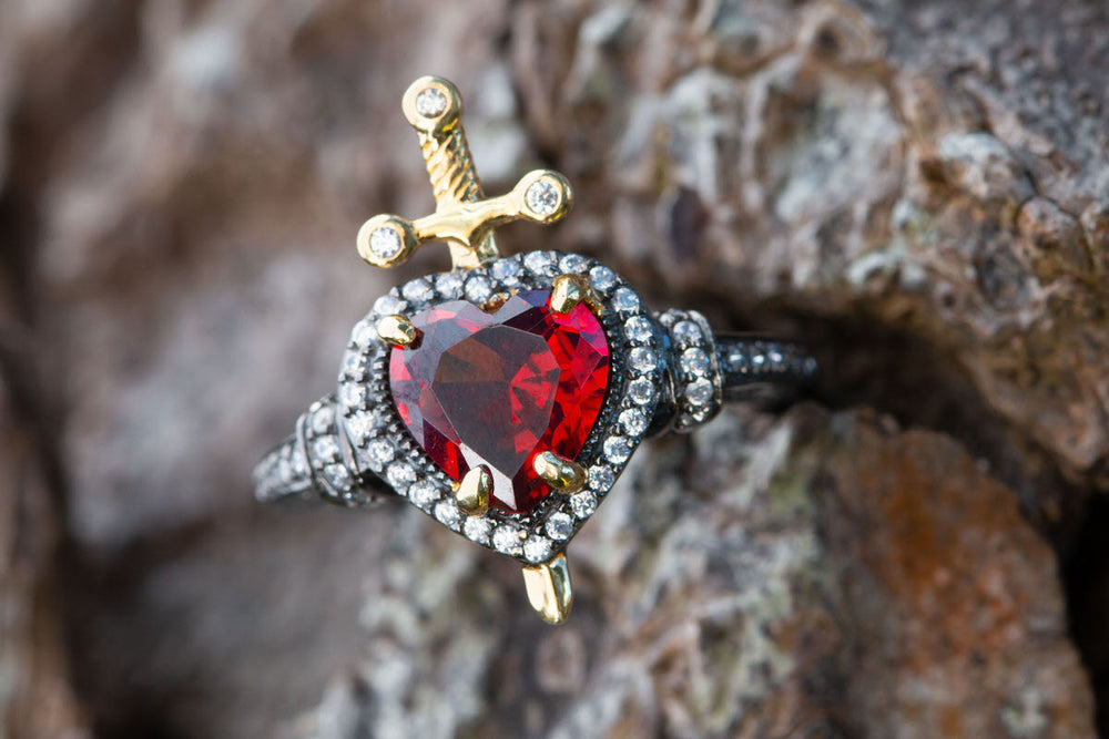 DISNEY'S SNOW WHITE & THE SEVEN DWARFS Dagger Heart Ring