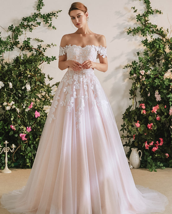 71115 Tulle, satin and applique princess wedding gown