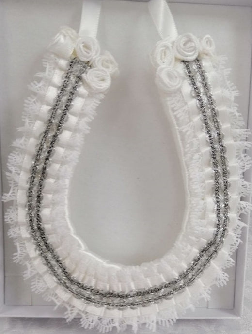 BBHS18 white and silver bridal horse shoe with embellishments