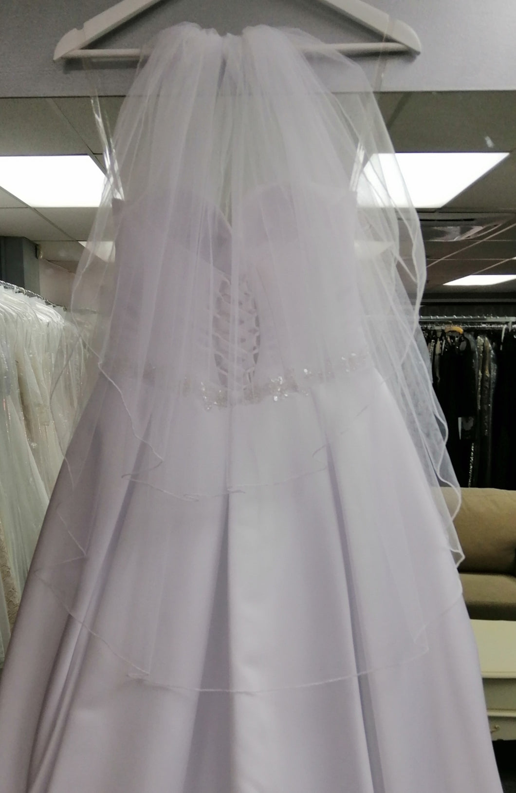 BBV6 2 layer tulle veil with finished edge.