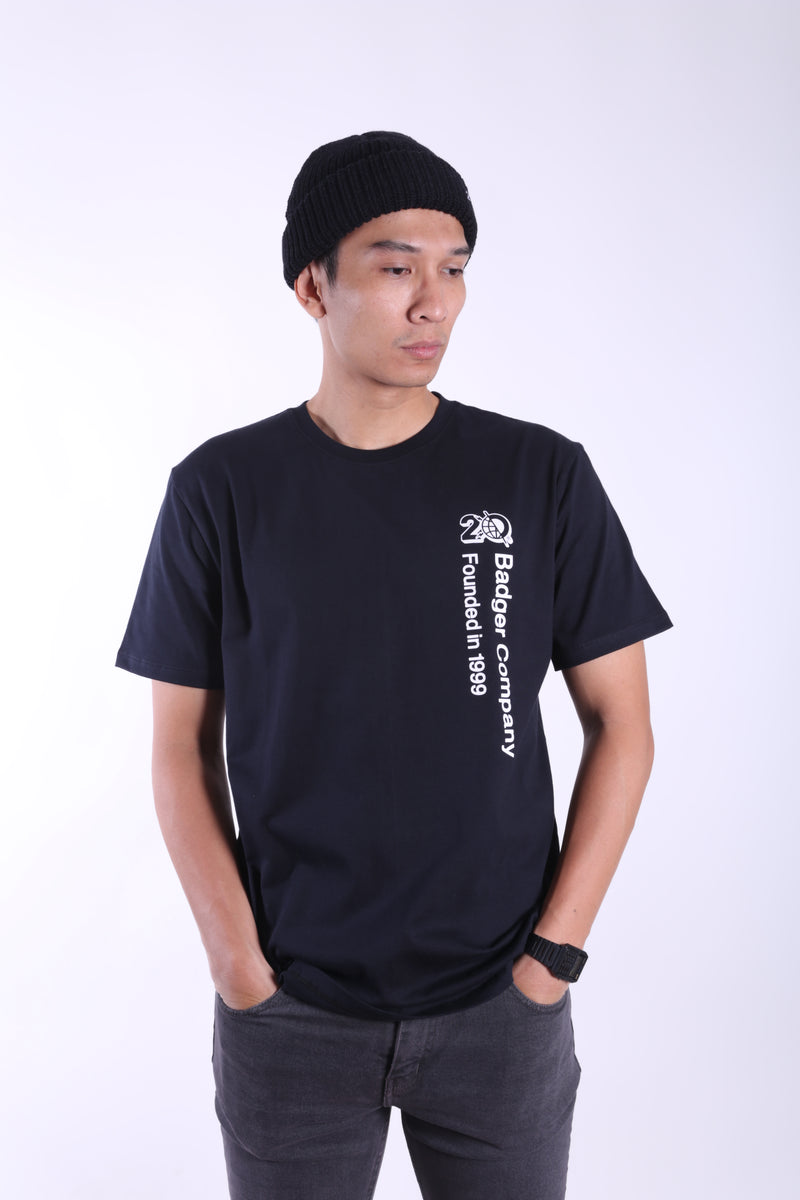 SIDEFONT BLACK BASIC TSHIRT - Badger Invaders