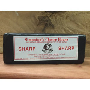Simonton's Sharp Cheddar (8 oz)