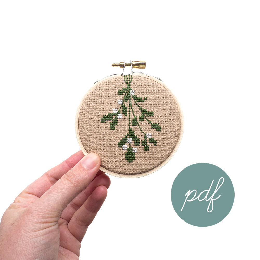 Mistletoe Ornament PDF