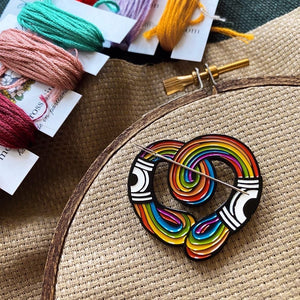 Rainbow Thread Needle Minder