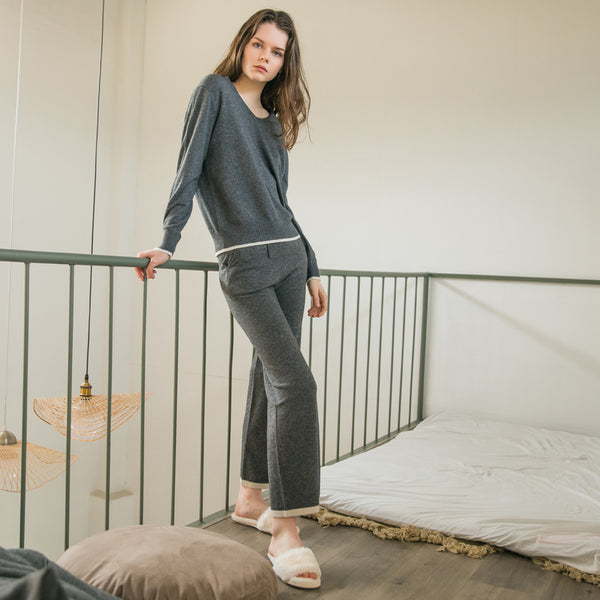 Female's wool knit trousers