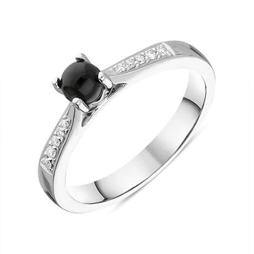 18ct White Gold Whitby Jet Diamond Centre Stone Ring R1189