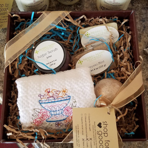 Deluxe Bath and Body Gift Basket