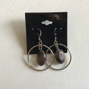Hoop earrings with wooden bead
