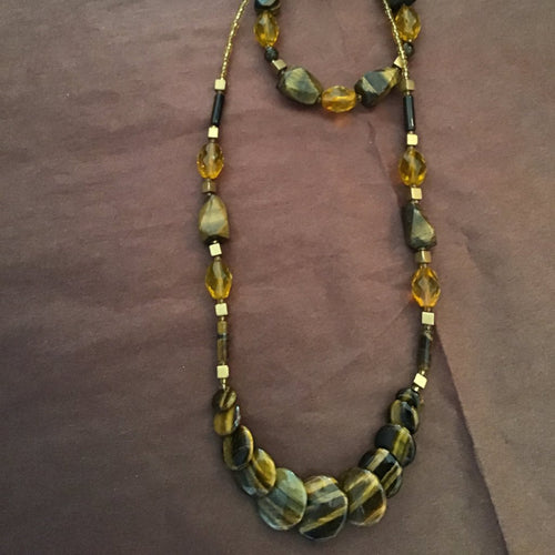 Amber, brown and gold jewelry set