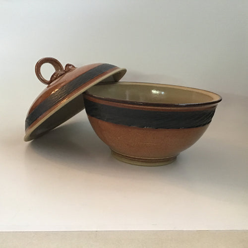 Lidded brown stoneware bowl