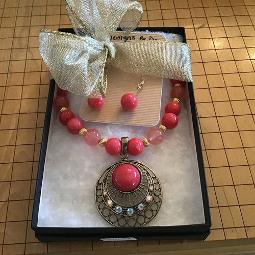 Peach/Pink ornate necklace and earring box set