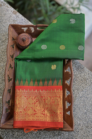 Green and Red Gadwal Duppata-2313
