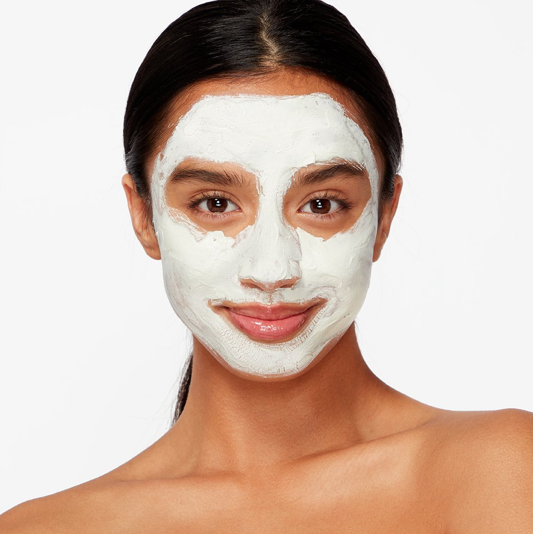 Pack your bags with a clean face & body kit.