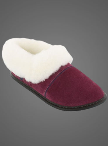 GARNEAU LAZYBONE SHEEPSKIN SLIPPERS