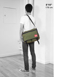 Manhattan Portage Europa medium With Back Zipper 1439Z