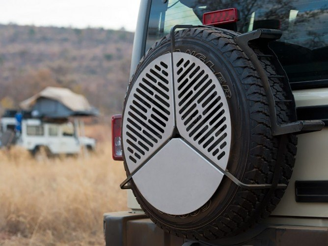 Front Runner - SPARE TIRE MOUNT BRAAI/BBQ GRATE