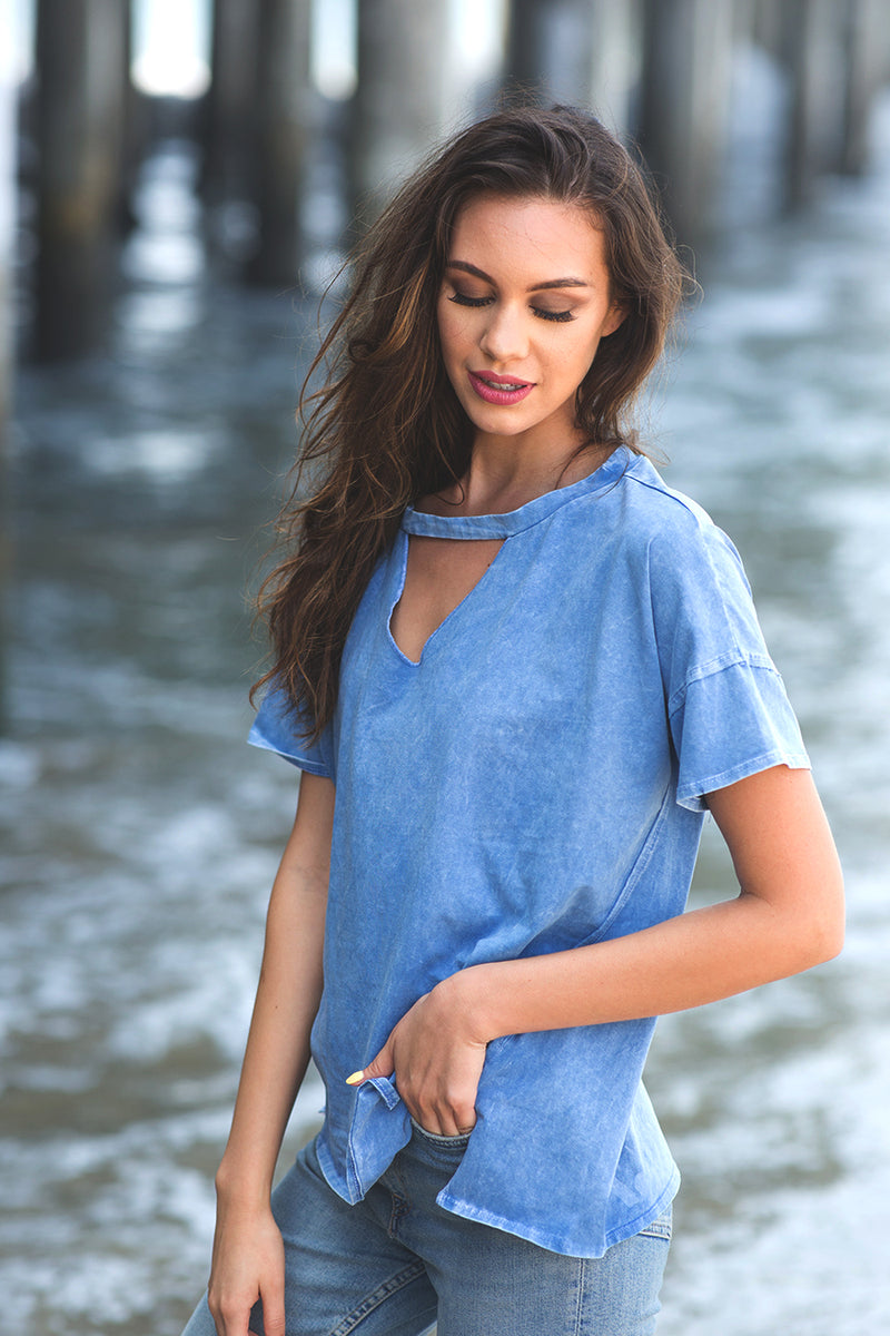 Yuni the Label sky blue stone washed t-shirt with front keyhole