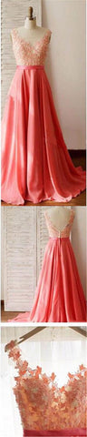 products/straight_neckline_prom_dresses_with_appliques.jpg