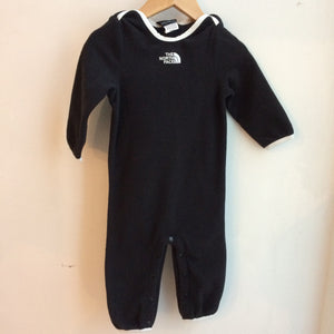 BNWT North Face Baby 2 piece set 6-12 months