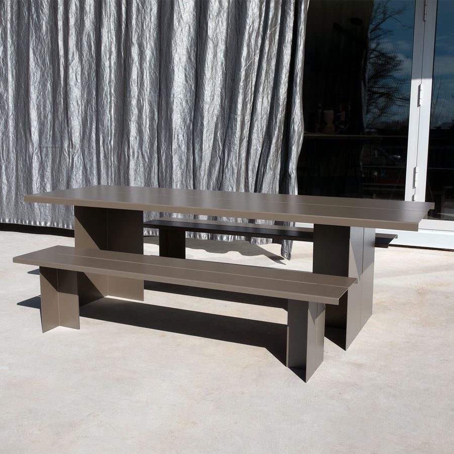 Zebe Table