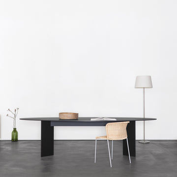 Mono Table Oval