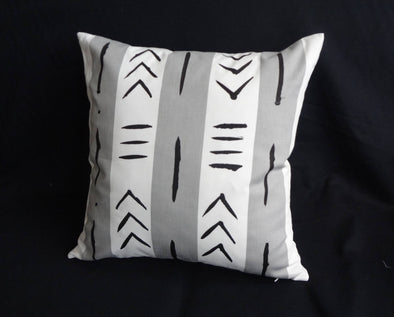 "Set of 2 Handpainted Mudcloth-Inspired Pillows 18"" x 18"""