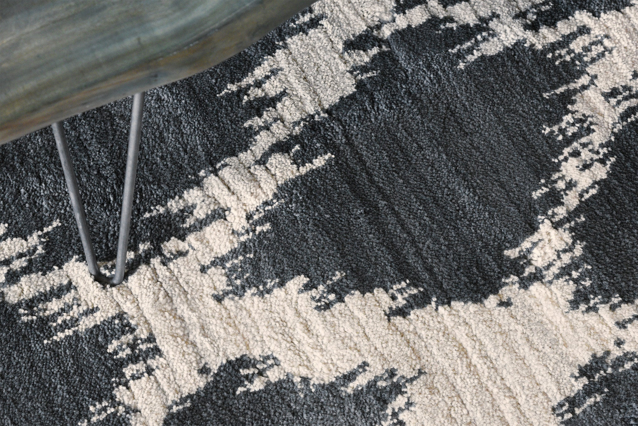 Ikat Diamond Pattern Area Rug Woodwaves