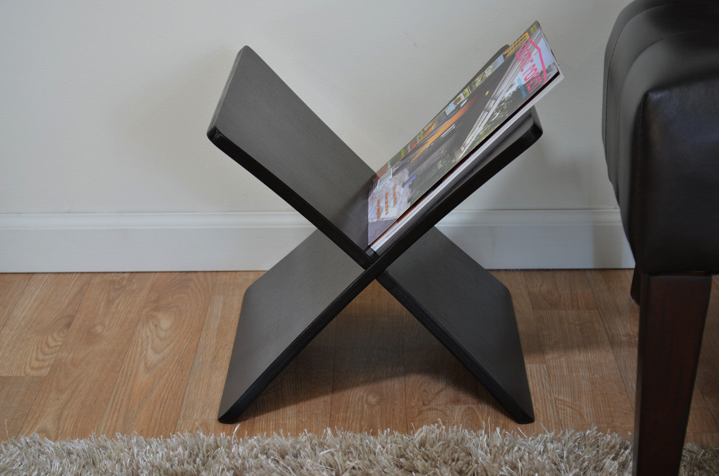 contemporary magazine rack  woodwaves - contemporary magazine rack