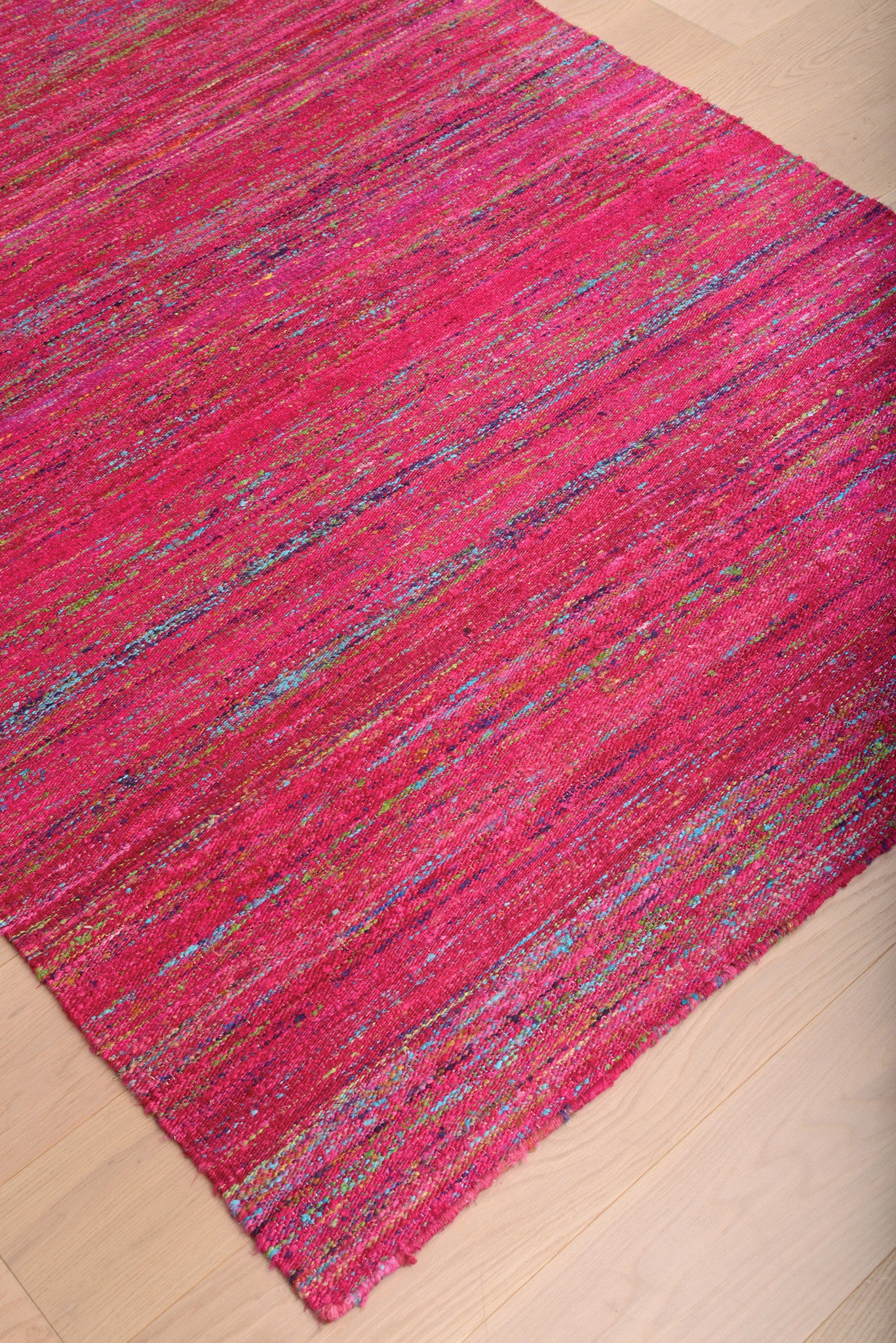 Red Fuchsia Flat Weave Handcrafted Wool Indian Rug Woodwaves