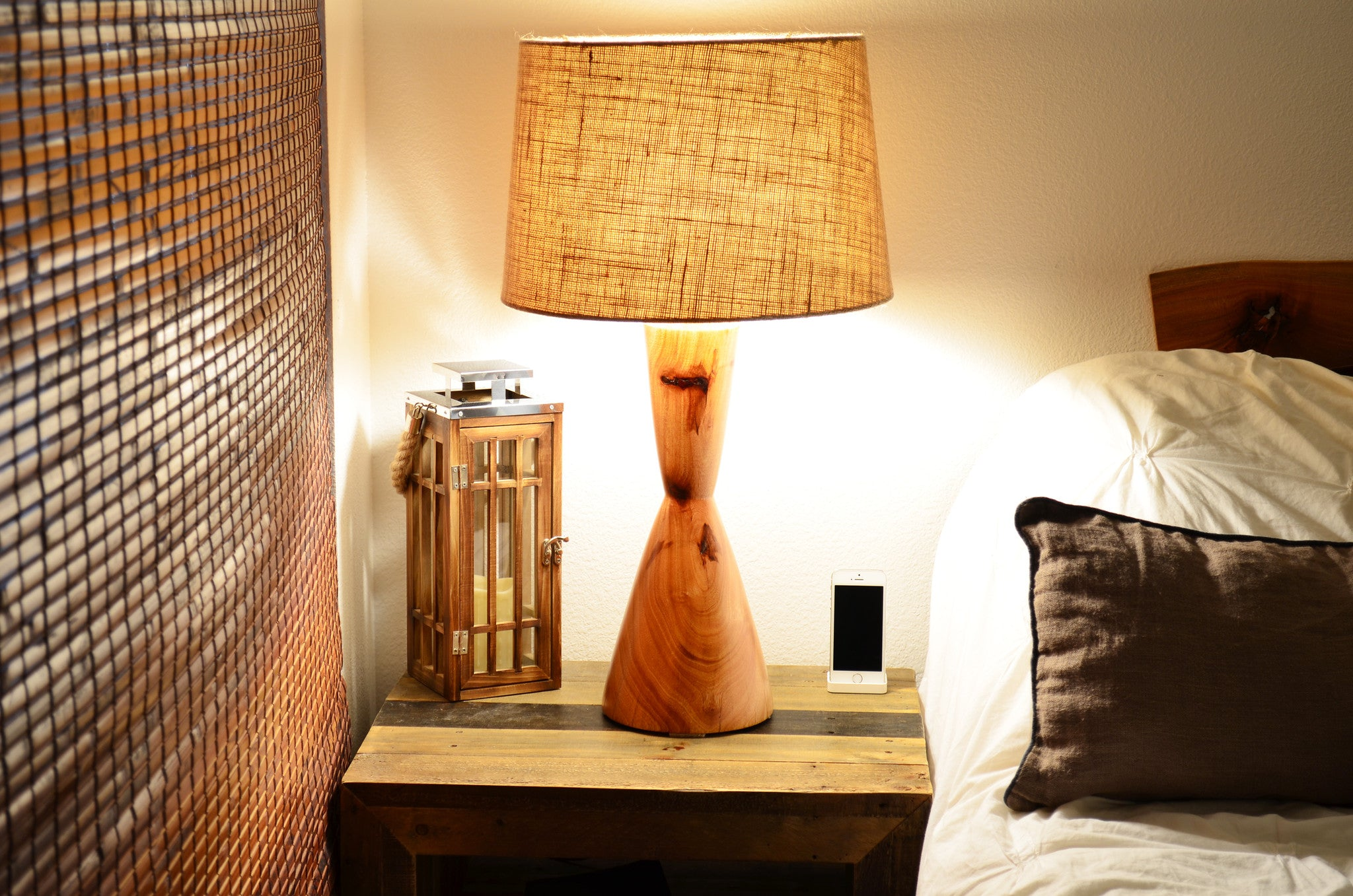 Mid century modern table lamp - Wood Turned Mid Century Modern Table Lamp Hourglass Natural
