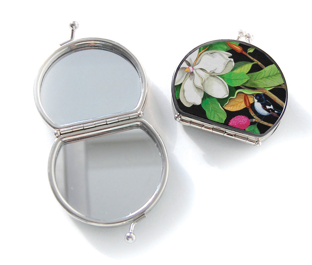 Retro compact mirror, Miss White
