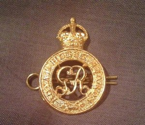 Badge British Royal Army Horse Guard Cap Badge King George VI