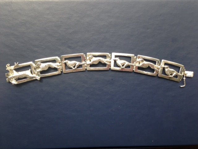 sterling silver link bracelet stag hounds lurchers safety closure ladies vintage estate ladies jewelry hallmark fine elegant elegance