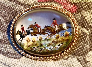 Brooch Vintage 14kt Gold Reverse Carved Crystal Fox Hunt Scene