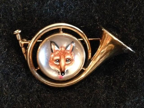 Brooch 14 kt Yellow Gold Napier French Horn Form with Reverse Intaglio Fox Mask Image