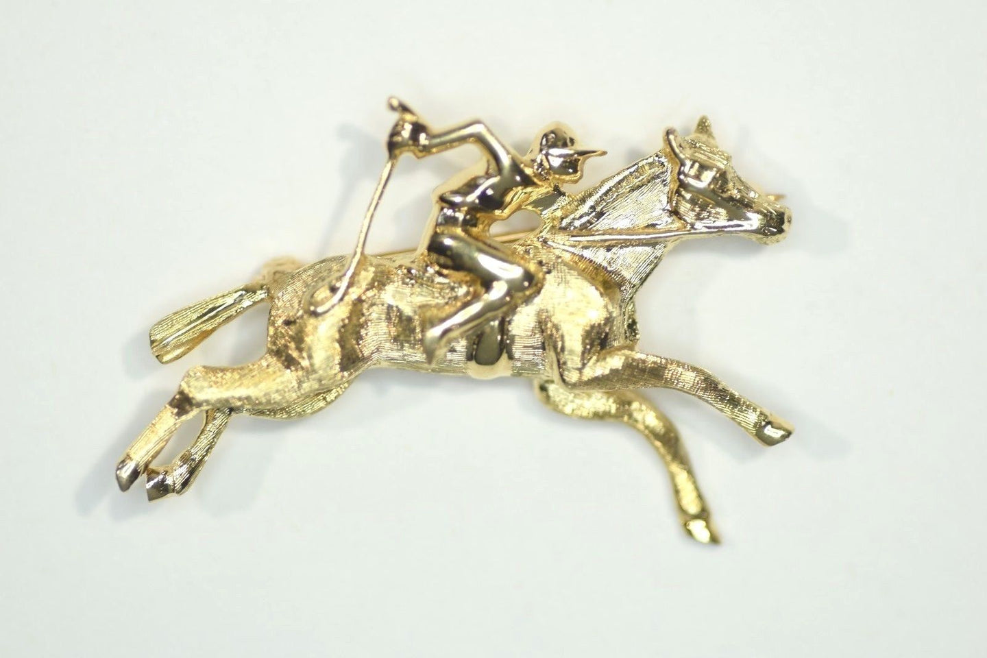 Brooch Racing Horse and Jockey Form 14kt Yellow Gold Pristine