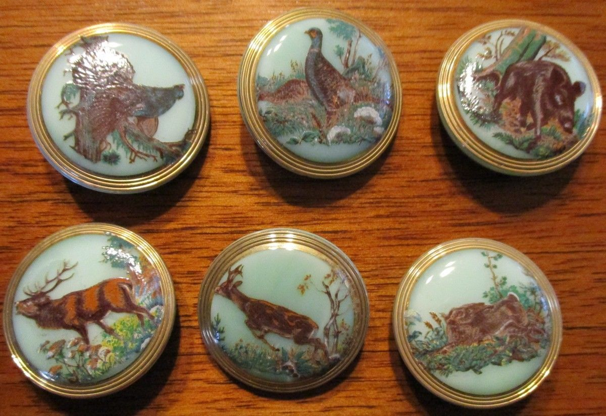 Buttons - Glass - Animal Images - Vintage