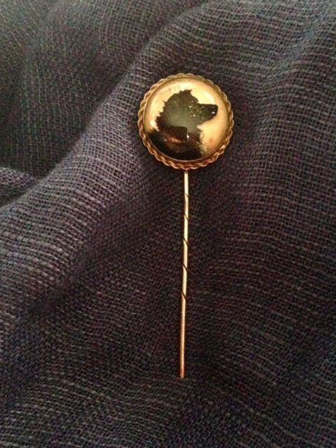 Pin - Stickpin - Striking 18Kt Yellow Gold Reverse Crystal Retriever Stickpin/Locket With Known Provenance