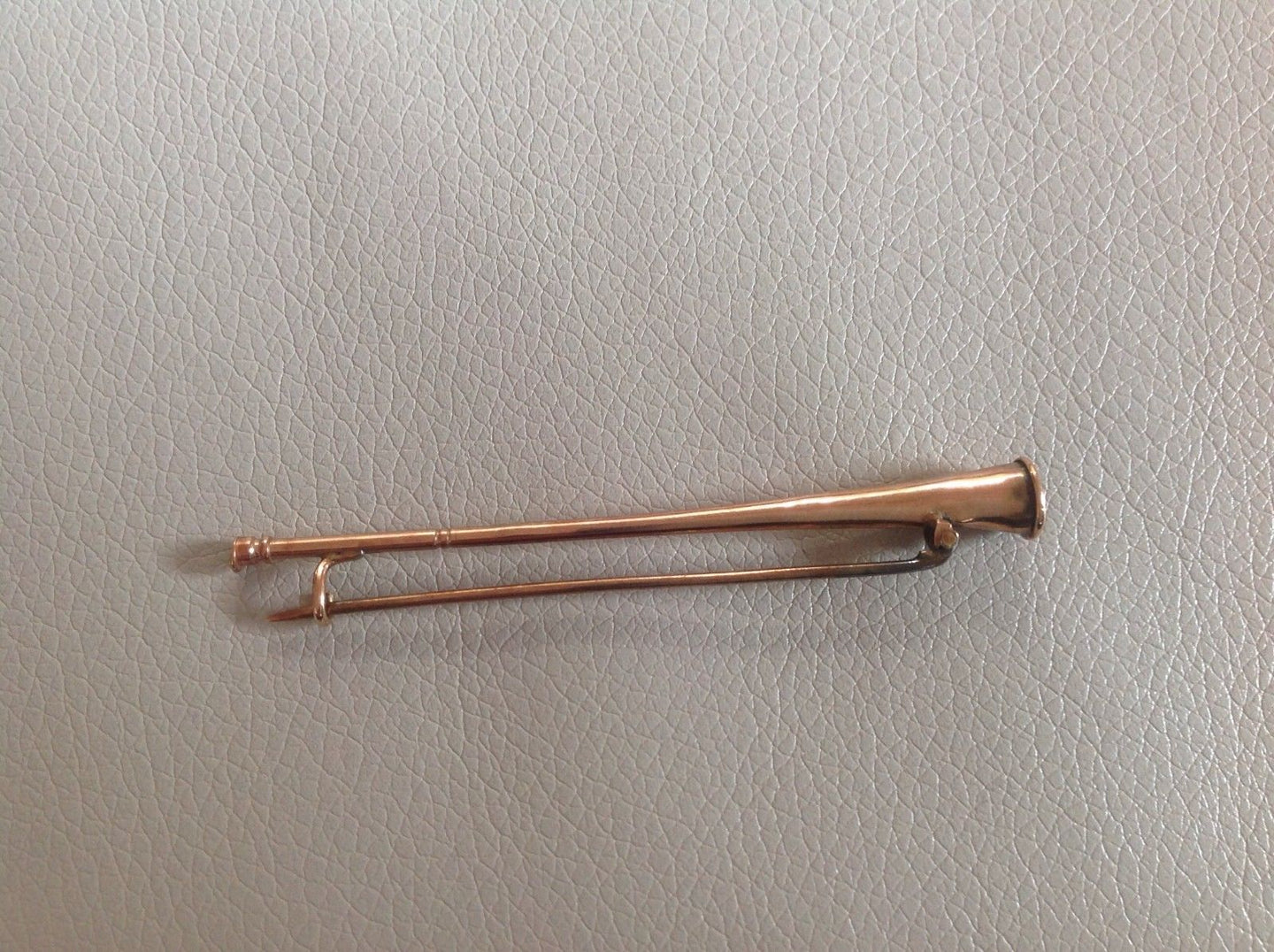 Stock Pin English Victorian to Edwardian Period Rose Gold 15 ct Coaching Horn Form