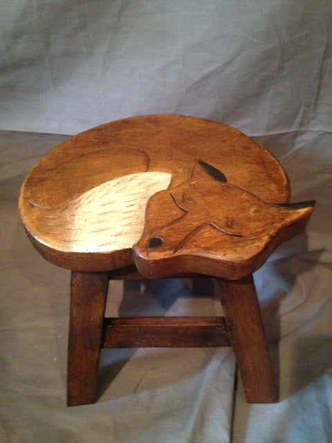 Stool - Sleeping Fox - Wood