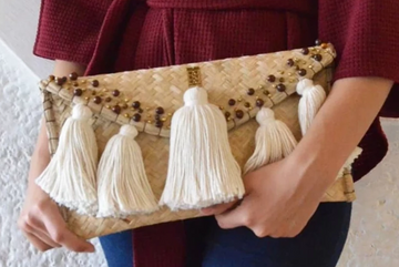 NATURAL WICKER ENVELOPE BAG CREAM