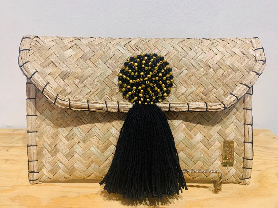NATURAL WICKER WITH TASSEL