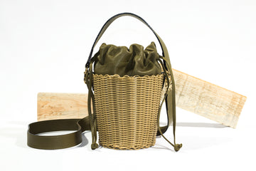 WOVEN LEATHER BUCKET - ORO/MILITAR