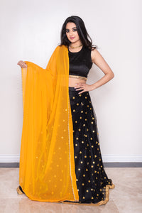 Yellow dupatta with pearls for lehnega choli