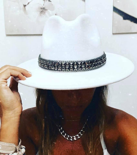 Amor Studded Fedora Hat - White